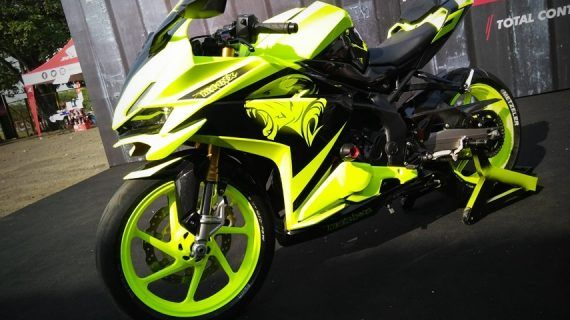 modif yamaha r25 warna hijau stabilo