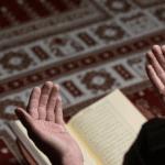 Bagaimana Niat dan Tata Cara Sholat Idul Fitri di Rumah