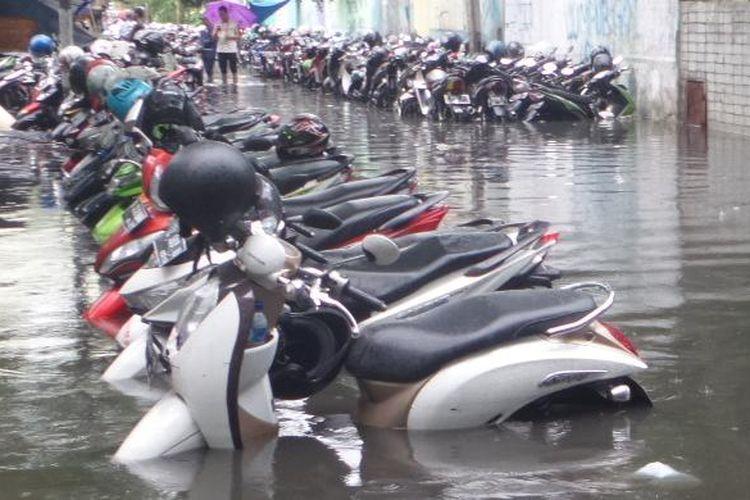 Dampak Malas Cuci Motor Setelah Banjir