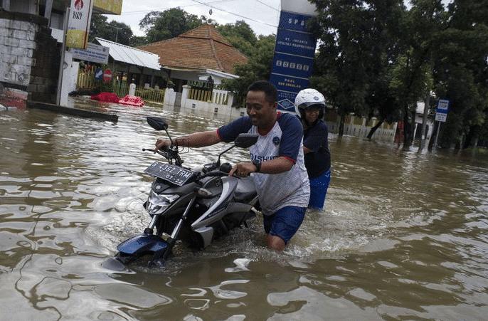 Motor Kena Banjir