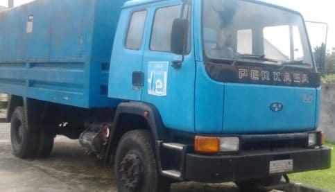 mobil perkasa truk pertama kali di indonesia