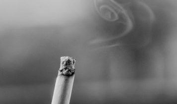 supaya ac tetap dingin jangan merokok di dalam mobil