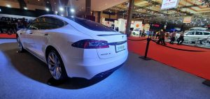 mobil listrik pameran otomotif IIMS Hybird 2021